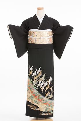 正絹 黒留袖 5紋 120041 金彩 松 波【ややゆったりサイズ】
