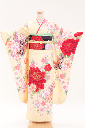 正絹・振袖【2月-12月】140180 大島優子 牡丹蝶 クリーム OY-3
